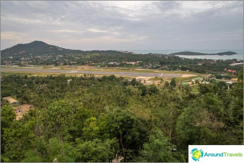 Излитане на летището в Самуи и хълмовете на зоната Play Lam