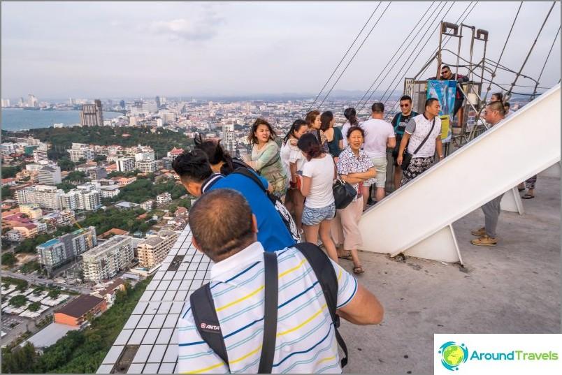 Pattaya Park Tower - näköalapaikka ja EI-eeppinen laskeutumiseni