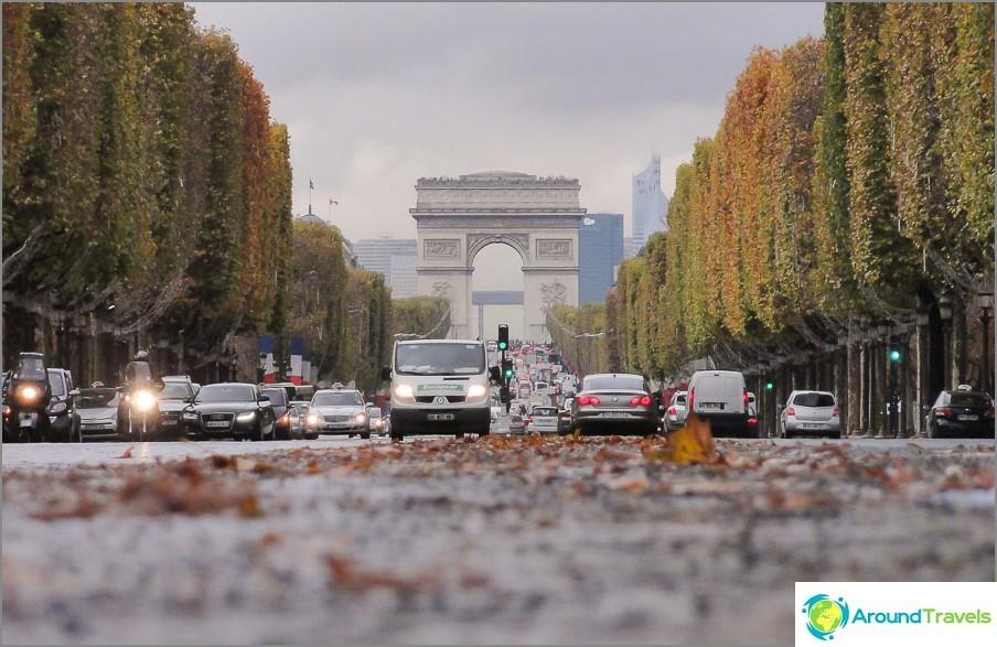 Pariisi. Pidän maasta saippua-astiassa, pidän todella tästä kuvasta