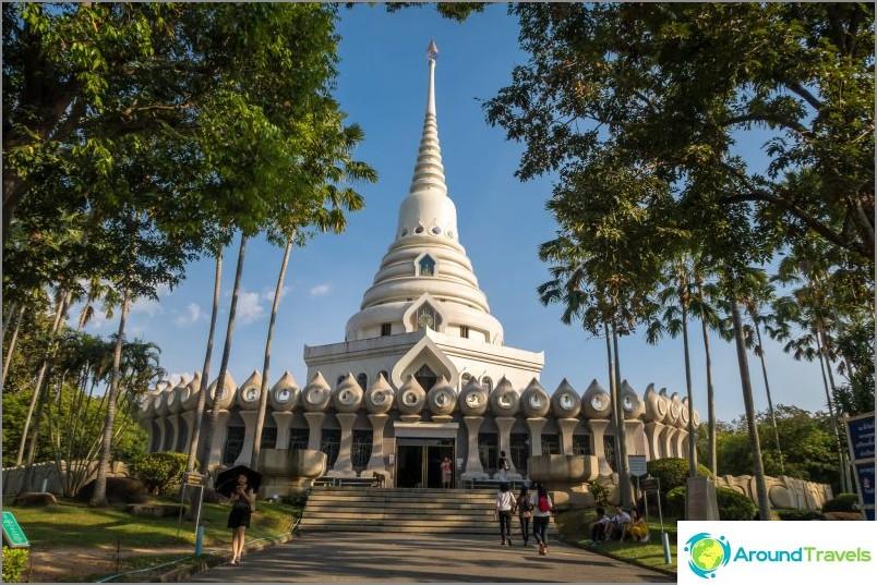 Stupa Wat Yanin monimutkaisessa osassa