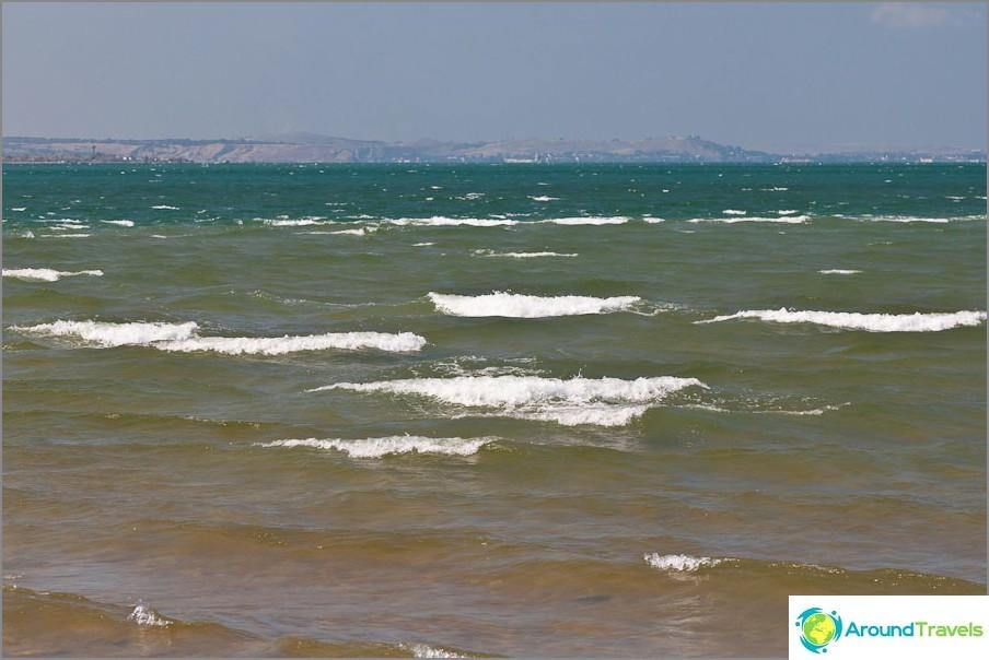 Tuuli tekee aaltoja
