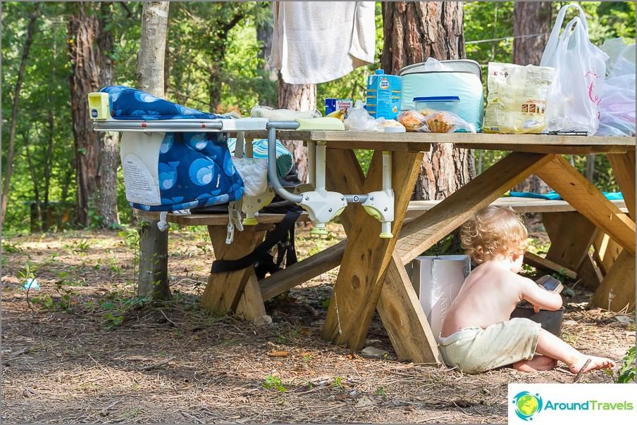 Тук е полезен и столът за хранене!