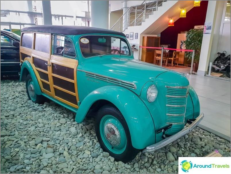 Москвич 401/422 с дървени страни, популярно -