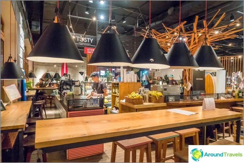 Kahvila Surf Coffee - kulttikahvila olympiakylässä