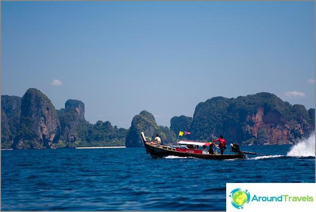 Тайланд ли е земя на романтиците или тропически рай без перспективи? (Интервю)