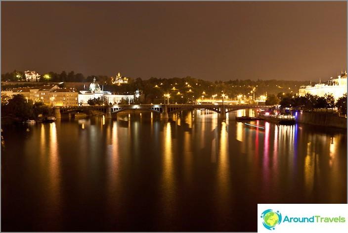 Изключителна осветеност на стара Прага