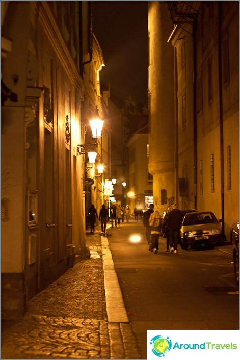 Улиците на стара Прага вечер