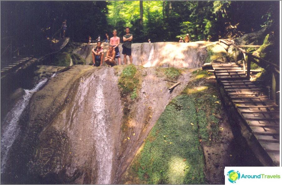 33 vesiputousta, 2000