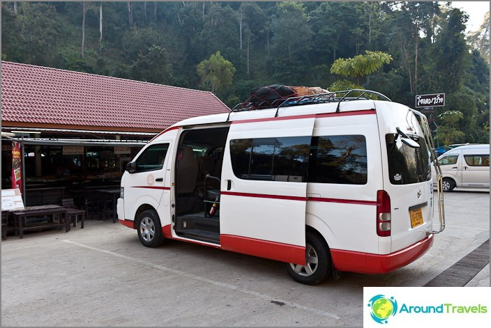 Tila-auto Chiang Mai Pai