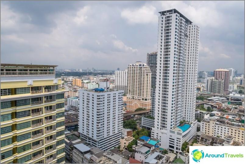Näkymä asunnosta Bangkokiin