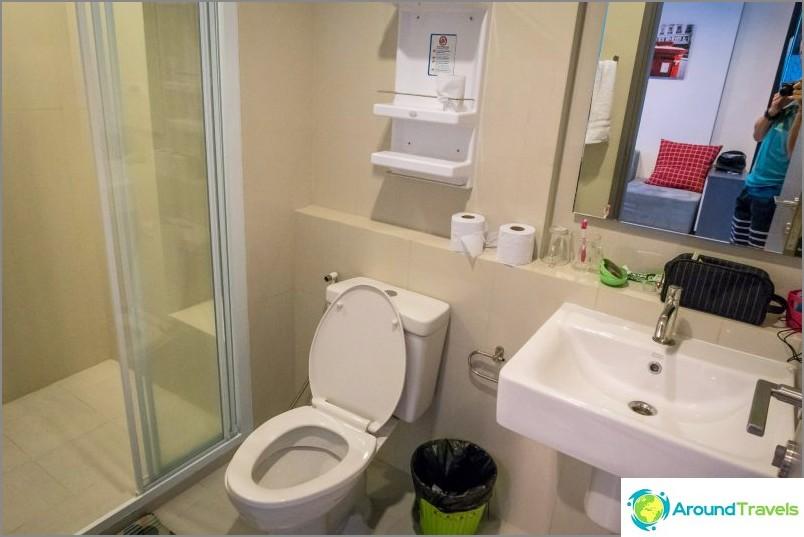 Kylpyhuone ilman kylpyamme, vain suihku