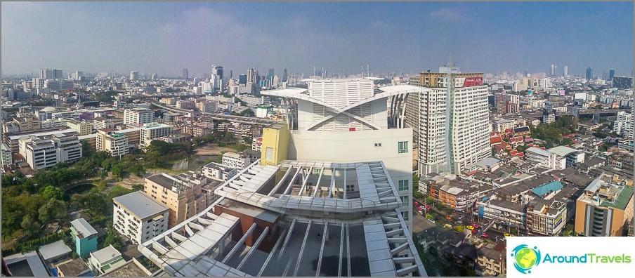Изглед към Банкок от 29-ия етаж