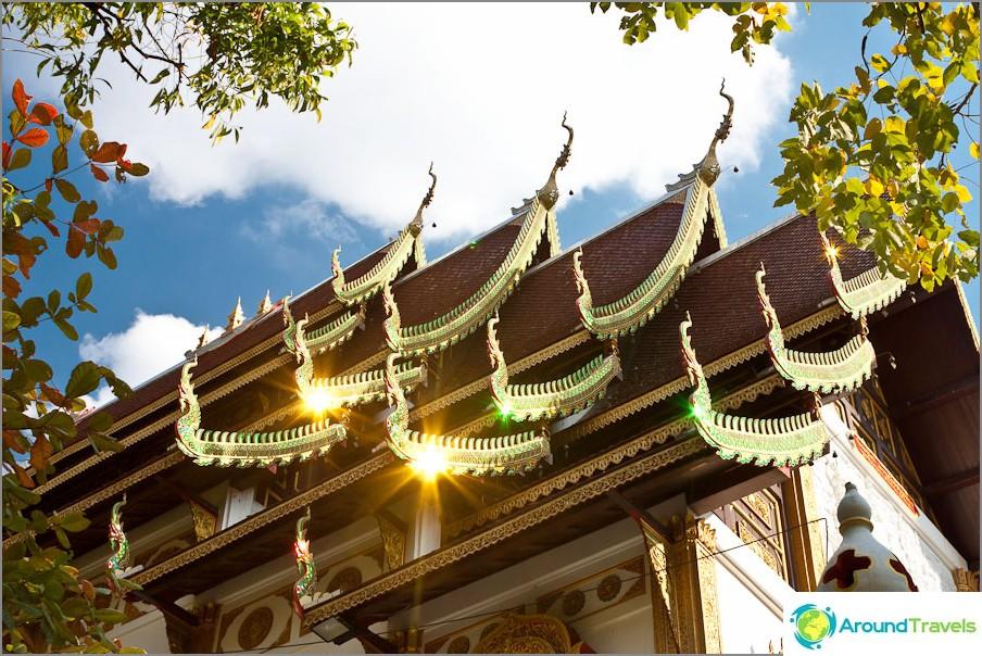 Thaimaan loistavat temppelit
