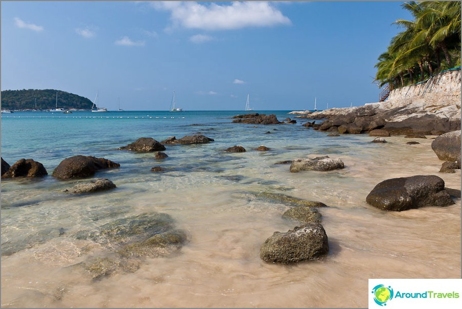 Nai Harnin uimaranta Phuketissa
