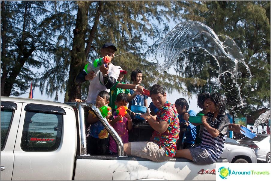 Songkran - thaimaalainen uusi vuosi