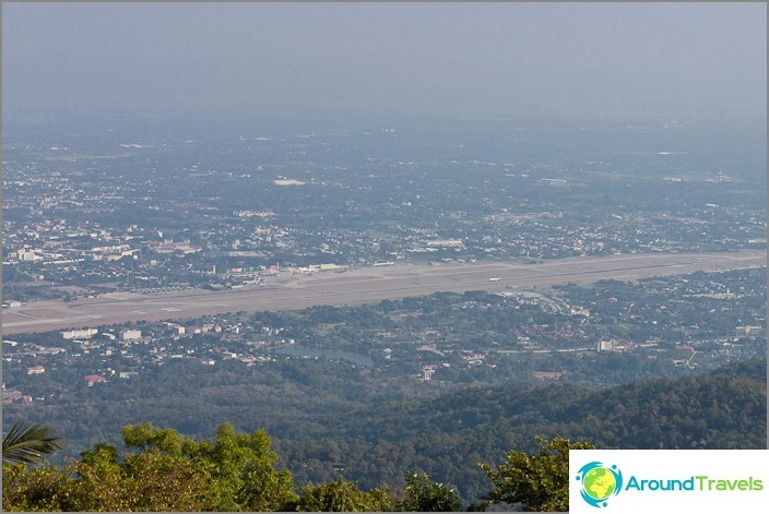 Näkymä Doi Suthepin vuorelle Chiang Maissa