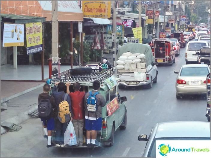 Pienbussit Thaimaassa