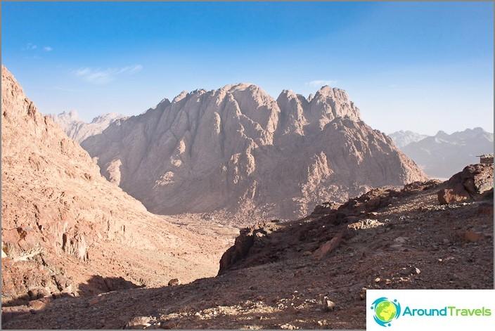 Mooseksen vuoren ympäristö.