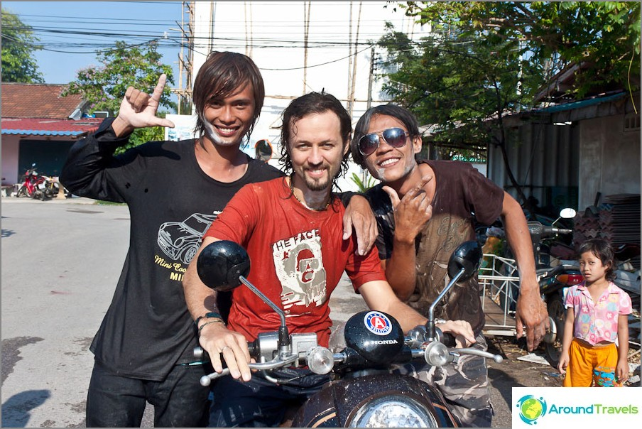 Olen Songkranissa, Thaimaassa