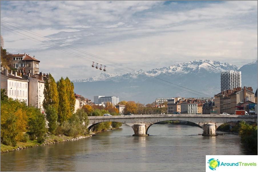 Grenoblen ja Ranskan Alppien telefonik