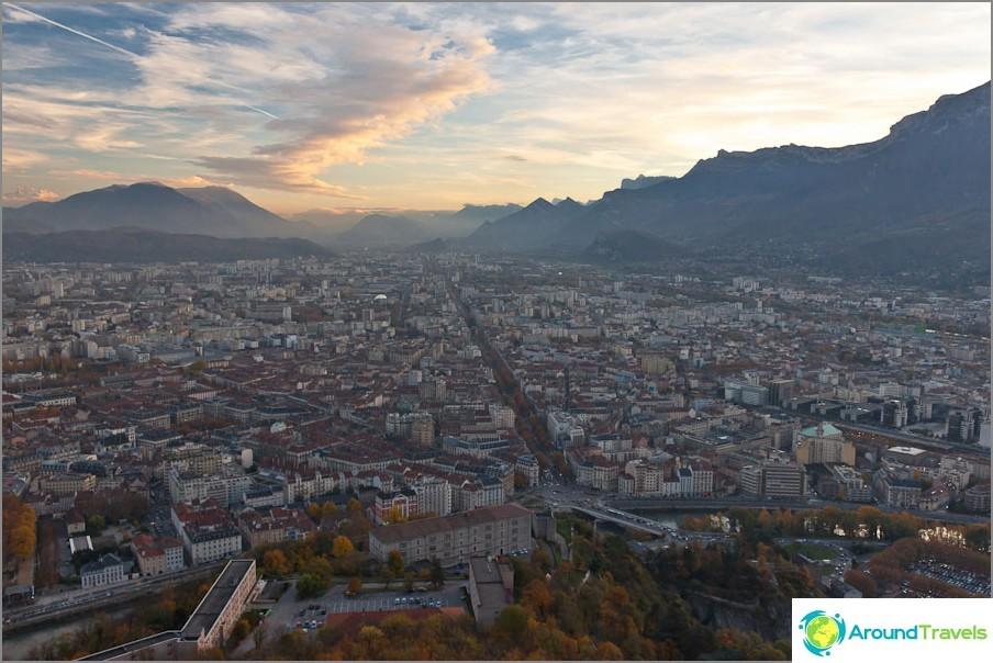 Näkymä Bastillesta, panoraama Grenoblesta