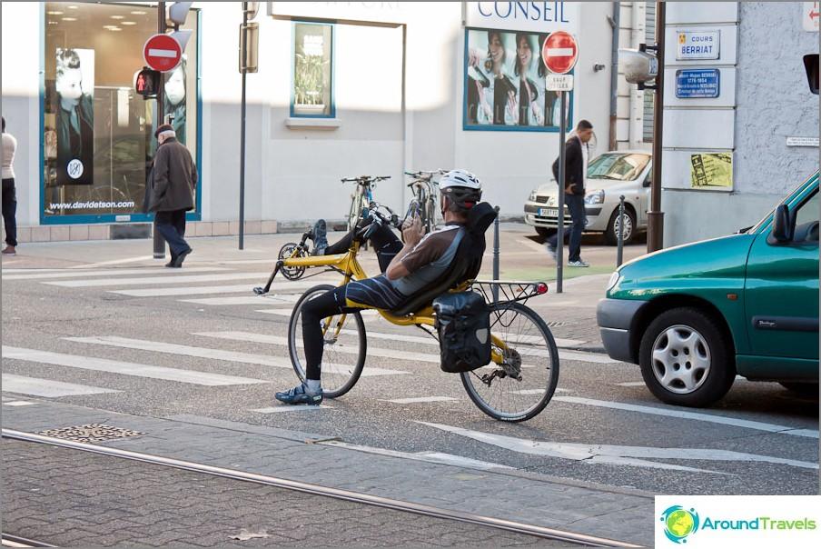 Grenoblessa on myös sellaisia pyöräilijöitä