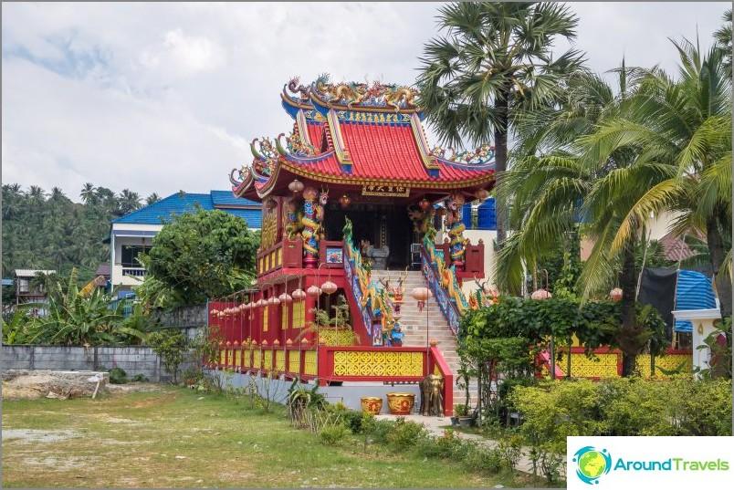 Китайски храм на плаж Ката