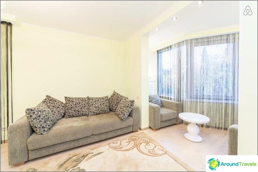 Kuinka vuokrata asunto Sotšissa päivittäin ja halvalla - Airbnb-valinta!