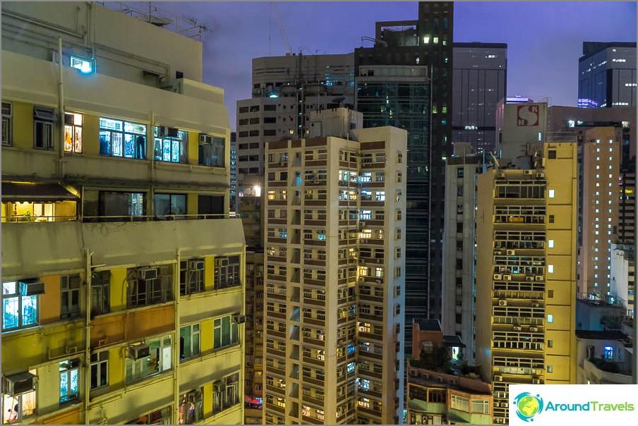 Näkymä huoneiston ikkunasta Hongkongissa