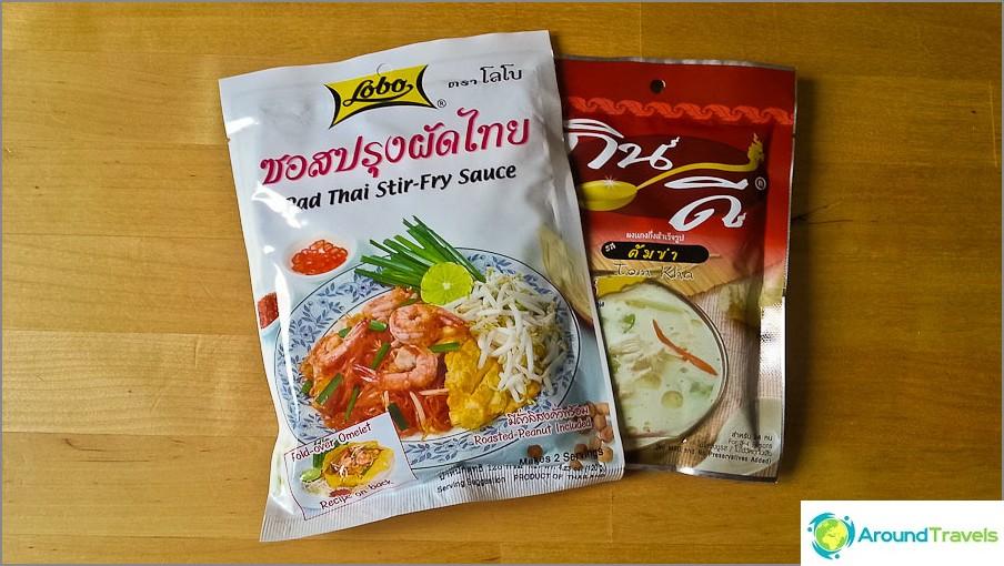 Keittämisen mausteet Pad Taya ja Tom Kha