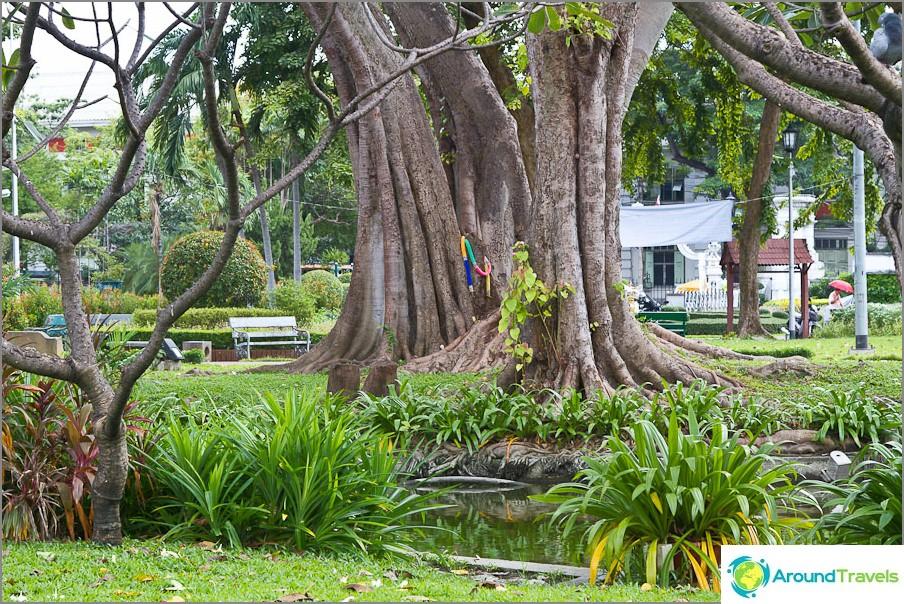 Saranrom Park Bangkokissa