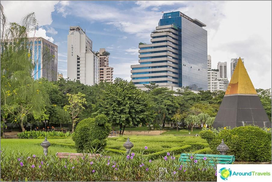 Benjasiri Park - keidas metropolissa