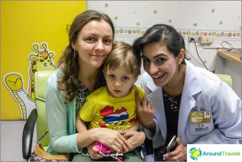 Muistovalokuva lääkärimme kanssa