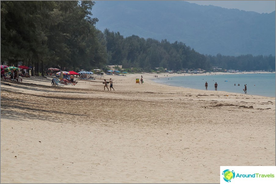 Плаж Банг Тао на север