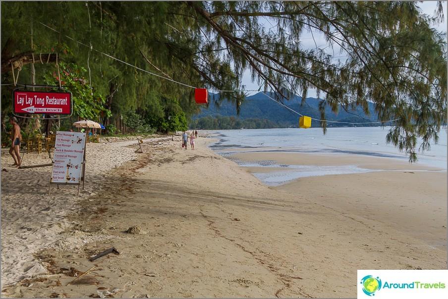 Klong Praon uimaranta vastapäätä viitoitusta