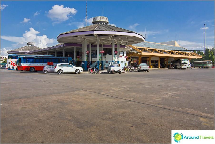 Аркаден автобусен терминал - стара сграда на автогара в Чианг Май
