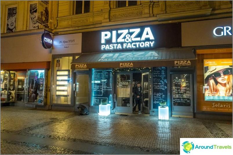 Pizza- ja pastatehdas Prahassa