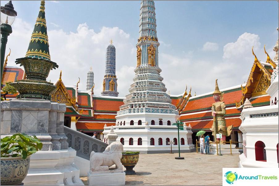 Kuninkaallinen palatsi Bangkokissa
