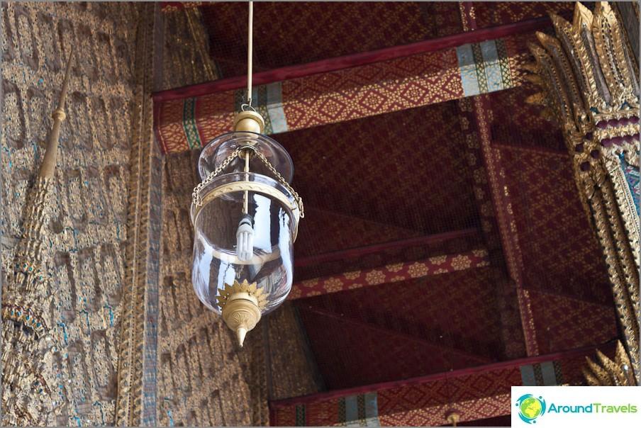 Wat Phra Kaew ulkopuolella