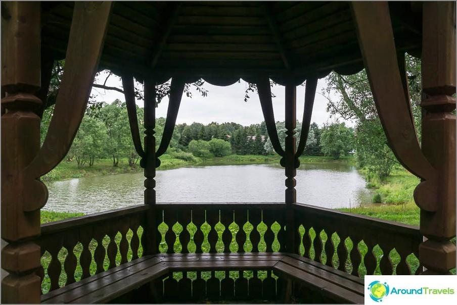 Huvimaja näkymä järvelle
