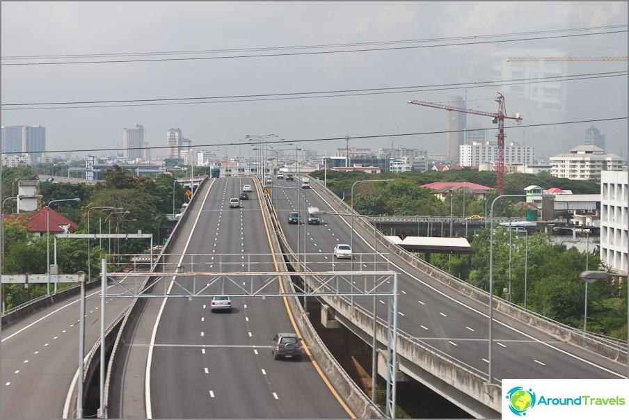 Monitasoiset vaihdot Bangkokissa