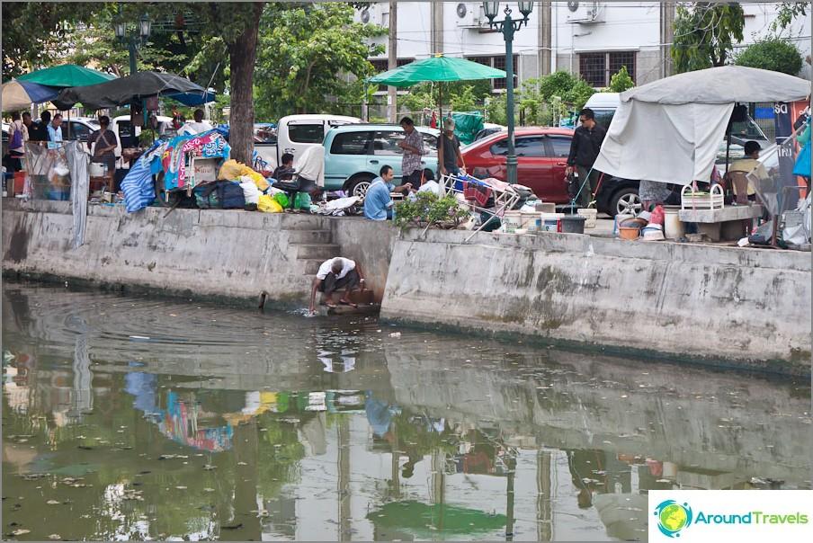 Bangkokilla on monia kanavia