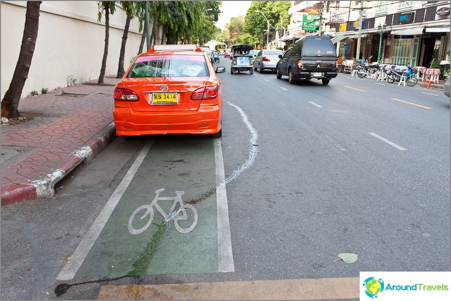 Bangkokissa on jopa pyöräteitä