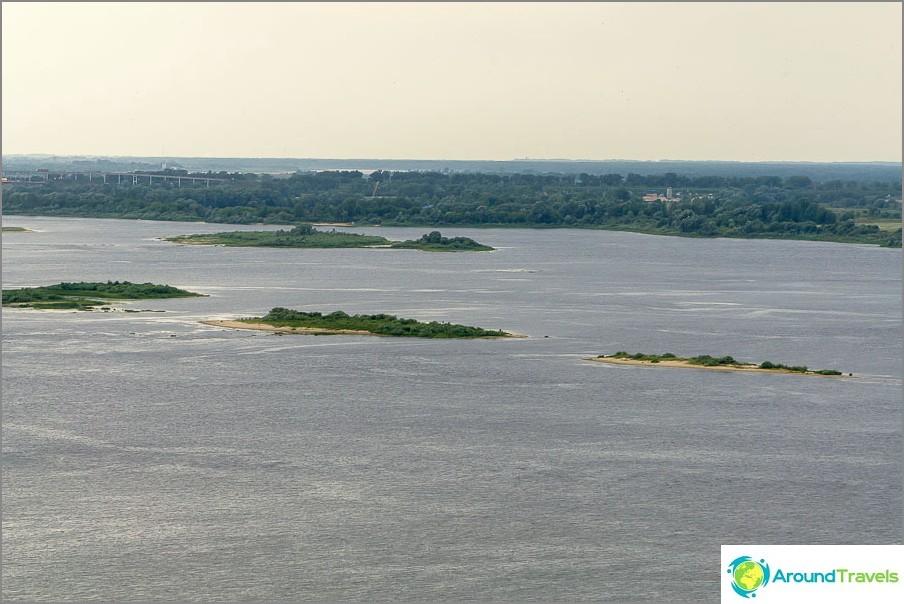 Näkymä Volgaan yhtymäkohdassa Okan kanssa