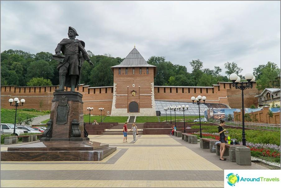 Pala uudesta seinästä ja Zachatskaya-tornista