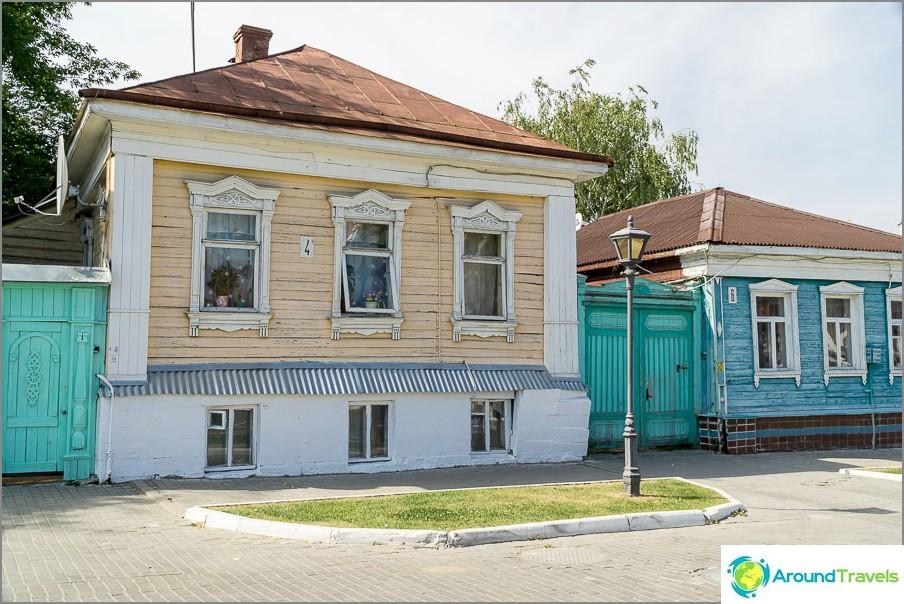 Talot Lazhechnikova-kadulla