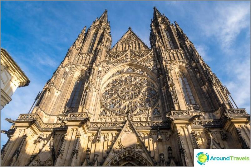 Pyhän Pietarin katedraali vita