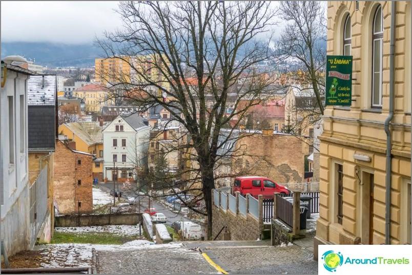 Näkymä vanhaan kaupunkiin ja lähialueelle
