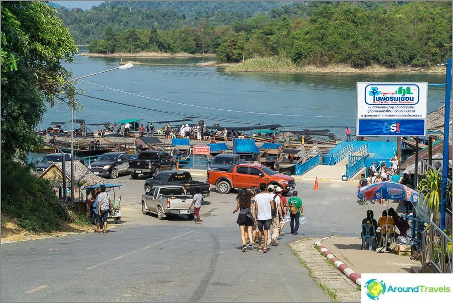 Kiinnitys Cheo Lan -järvelle, josta kaikki veneet alkavat