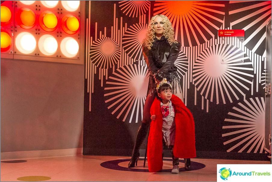 Tyttö pyrki koko ajan pakenemaan Madonnasta